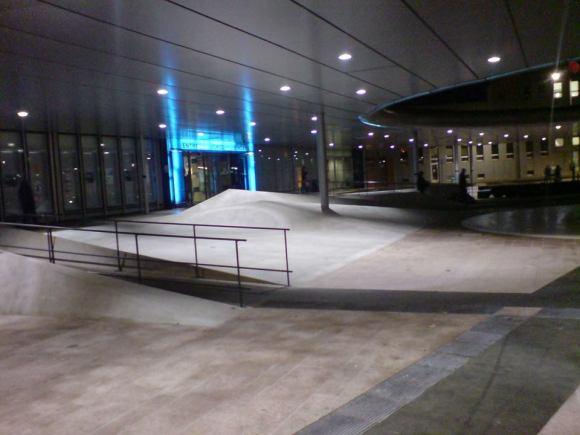 Spot searchlight: hlavní nádraží Ostrava