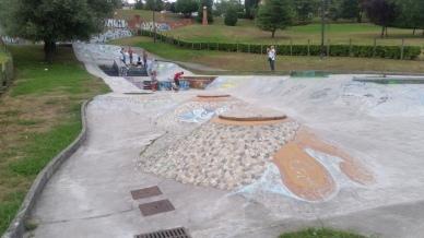 Španělsko, Oviedo skatepark, vypadalo to že tam stojí už pěkně dlouho, dobrá změna od mystic skateparků.